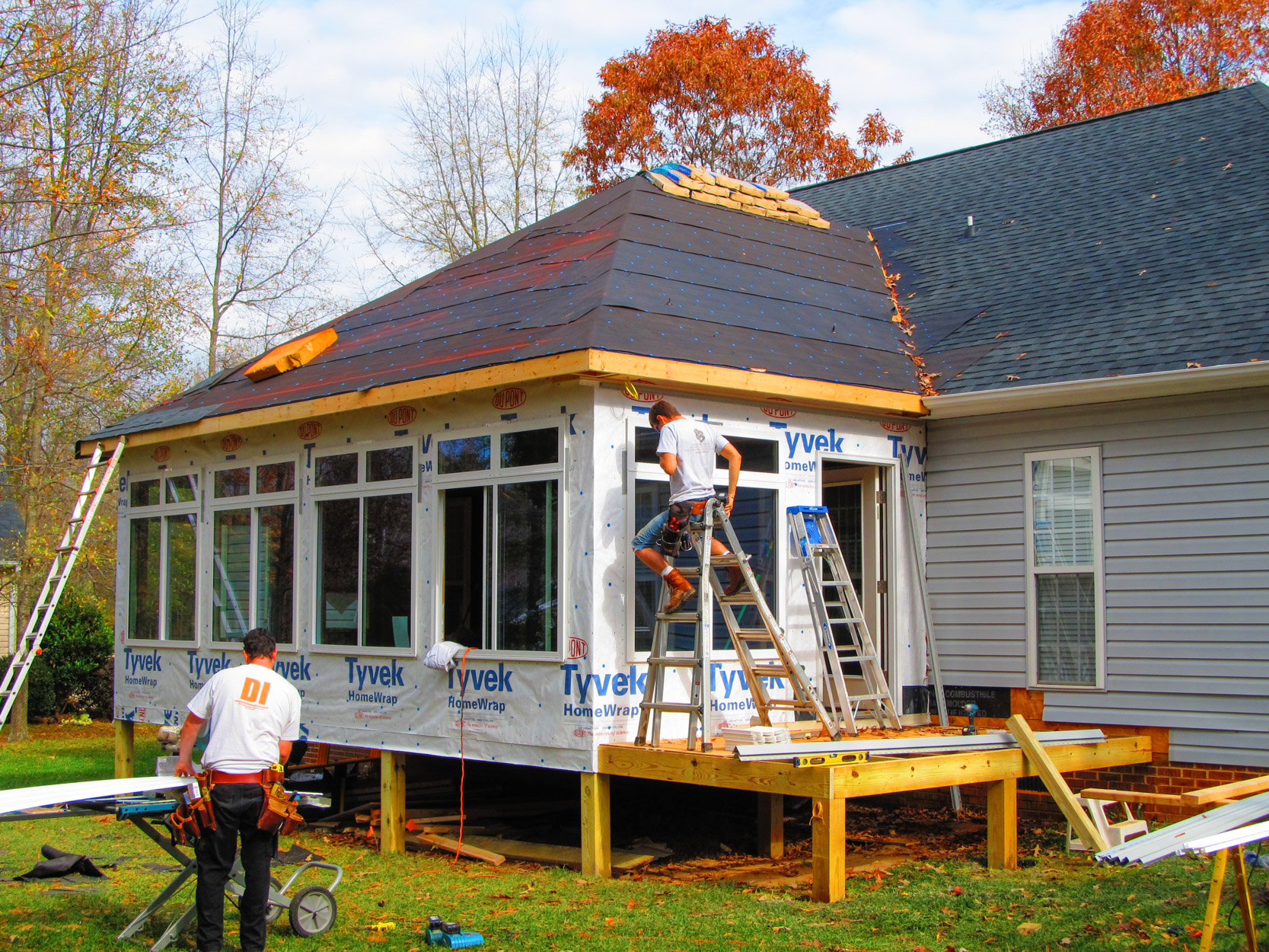 Sunroom addition solid construction for Sun room additions