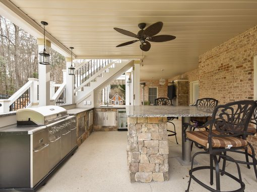 Outdoor Kitchen / Custom Project